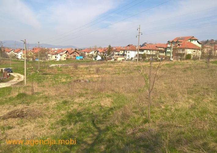 Plac 1,35 hektara